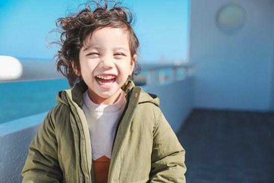 Narcolessia e cataplessia: il segreto per una cura nascosto in una risata?